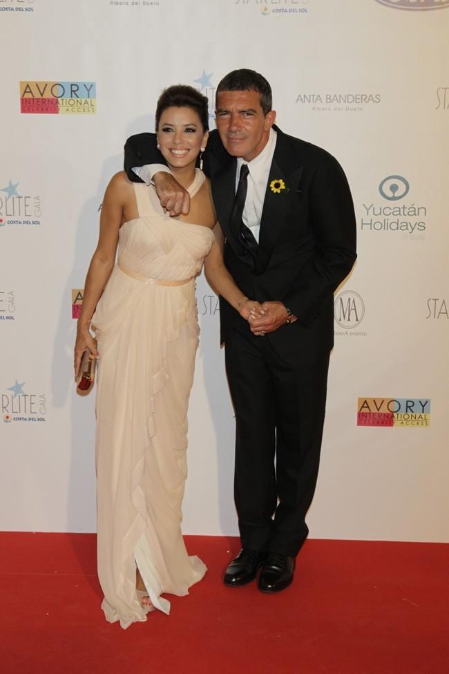 Attention Edurado, Antonio passerait bien la soirée avec Eva !