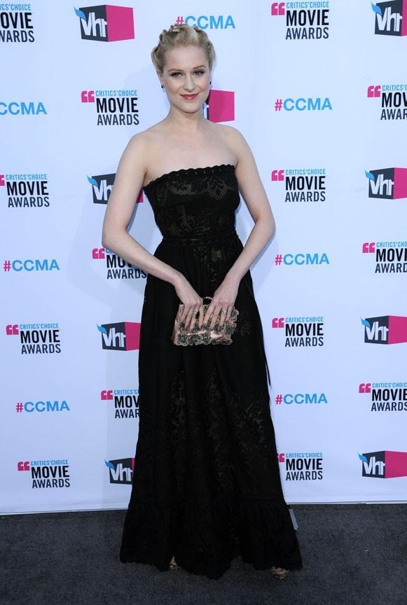 Evan Rachel Wood en Valentino pour les Critics Choice Awards !