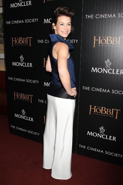 """Evangeline Lilly lors de la première du film """"The Hobbit : La Désolation de Smaug"""" à New York, le 11 décembre 2013."""