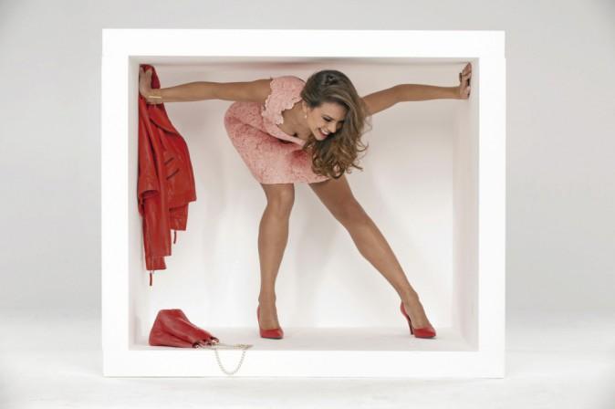 """Look """"C'est dans la boite !"""" : Bague en or rose, Thomas Sabo, 198 €. Bracelet manchette or rose, Semilunaire, 90€. Bague ovale résine feuille d..."""