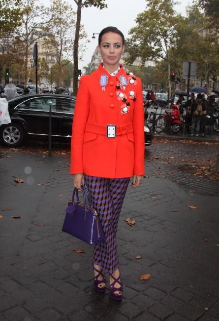 Bérénice Béjo se rendant au défilé Miu Miu à Paris, le 3 octobre 2012.