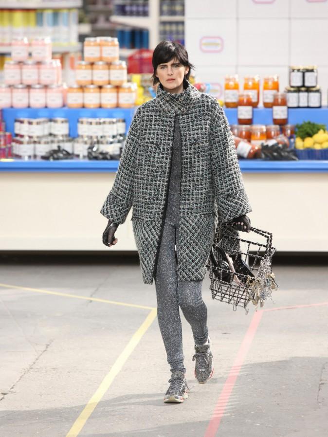 Stella Tennant lors du défilé Chanel à Paris, le 4 mars 2014.