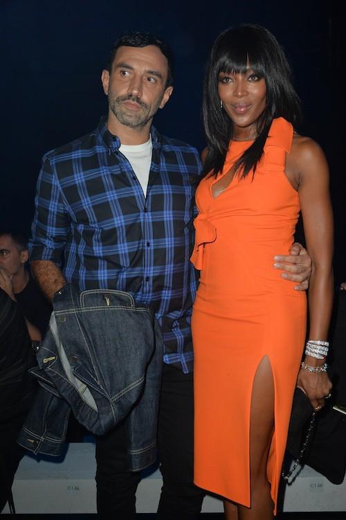 Naomi Campbell et Riccardo Tisci au défilé Versace à Milan, le 25 septembre 2015