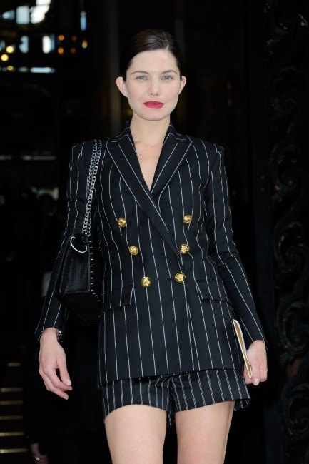 Delphine Chanéc lors du défilé Versace à Paris, le 30 juin 2013.