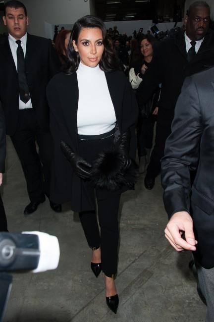 Kim Kardashian arrivant au défilé Stéphane Rolland à Paris, le 22 janvier 2013.