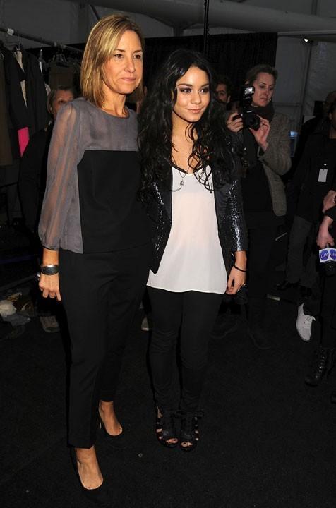 Vanessa Hudgens et la designeuse de la marque Tibi, Amy Smilivic, au défilé Tibi à New York, le 15 février 2011