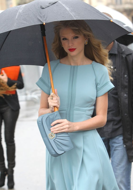 Taylor Swift à la Fashion Week de Paris le 3 octobre 2012