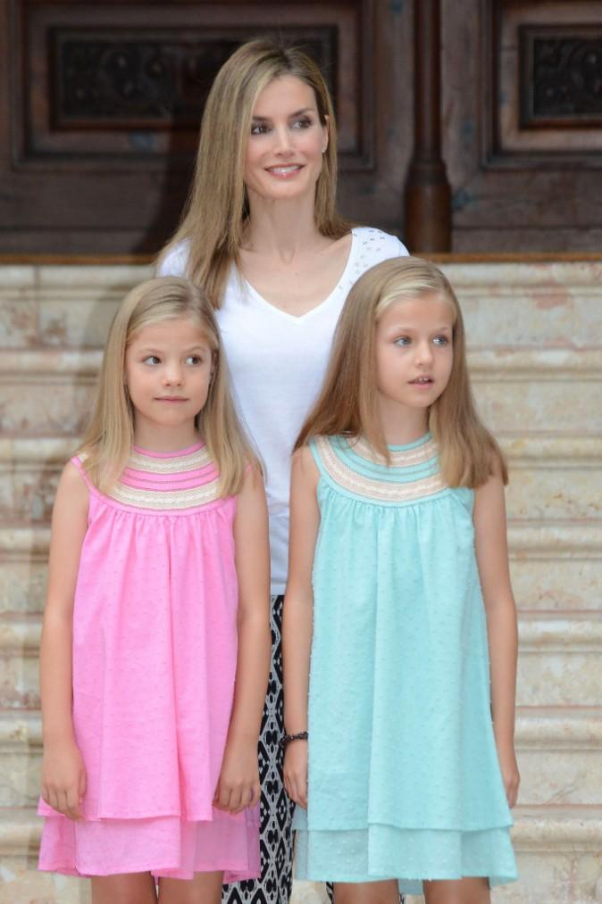 Letizia d'Espagne et son mari Felipe VI avec leurs filles en vacances à Palma de Majorque, le 5 août