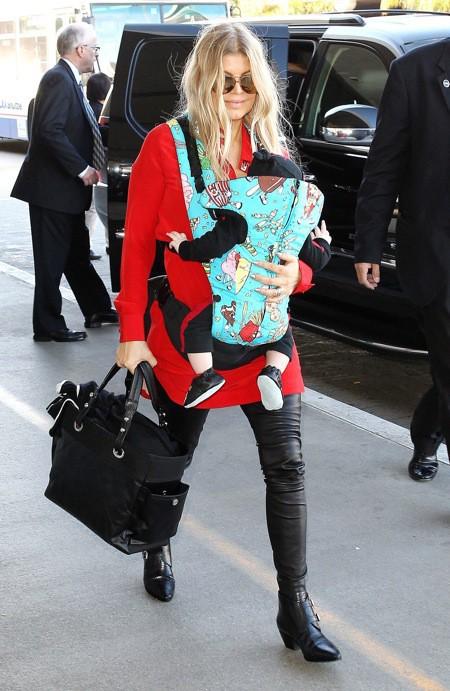 Photos : Fergie : rayonnante et tout sourire, elle ne lâche plus Axl d'une semelle !