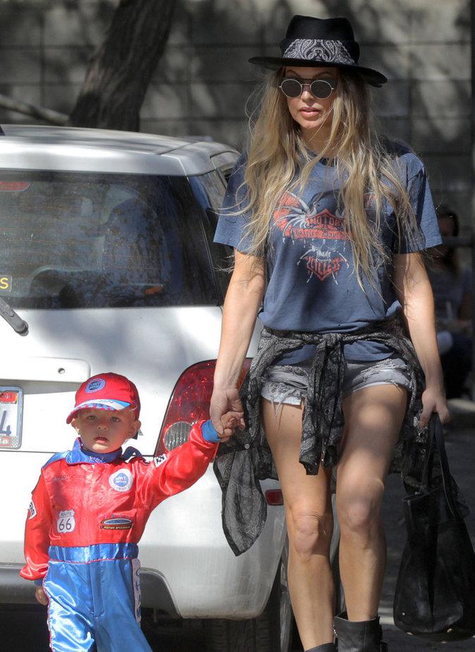 Photos : Fergie : son Axl, un pilote de Formule 1 trop craquant !
