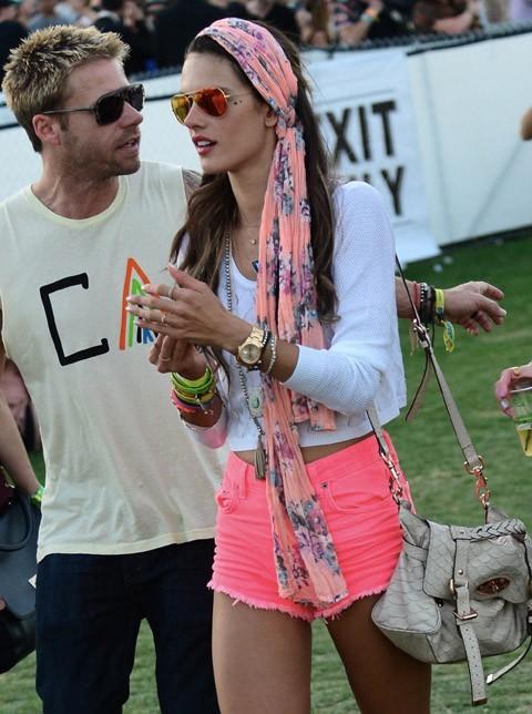 Alessandra Ambrosio au Festival de Coachella le 13 avril 2013
