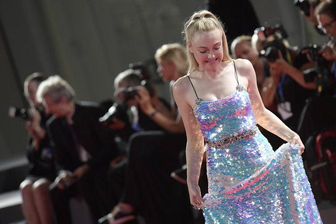 Dakota Fanning en Miu Miu au Festival de Venise ce dimanche 4 septembre 2016