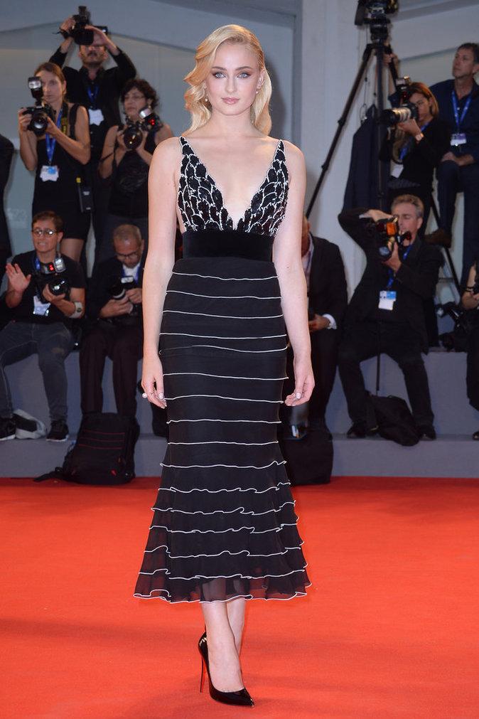 Sophie Turner en Yanina Couture au Festival de Venise ce samedi 3 septembre 2016