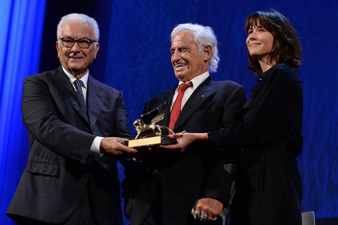Jean-Paul Belmondo est récompensé d'un Lion d'or à Venise, Sophie Marceau présente
