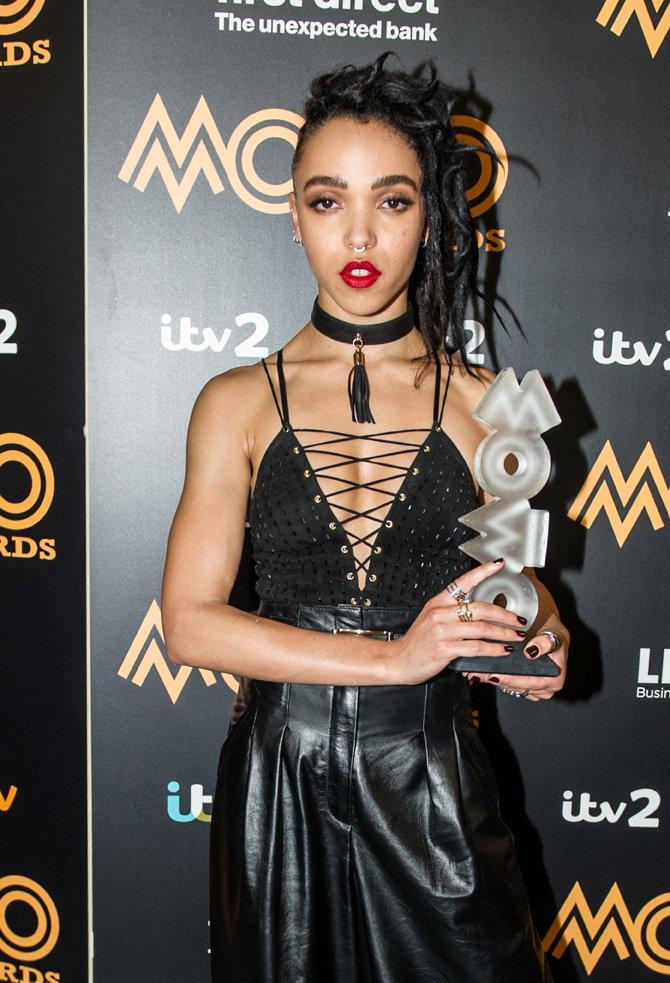 FKA Twigs à la cérémonie des MOBO Awards le 4 novembre 2015
