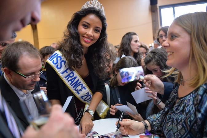 Flora Coquerel (Miss France 2014) à Morancez le 18 décembre 2013