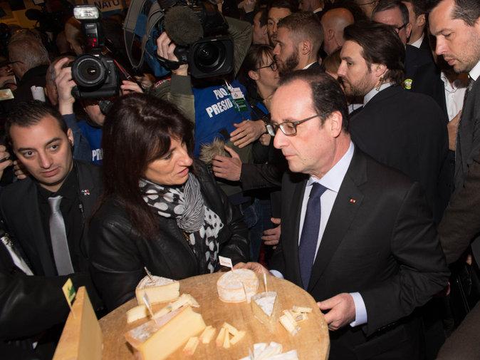 Photos fran ois hollande sifflets insultes une for Hollande salon agriculture