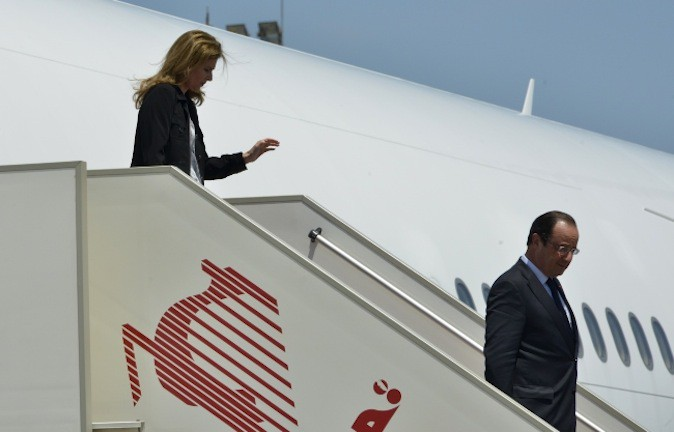 François Hollande-Valérie Trierweiler, un couple présidentiel qui fait jaser !