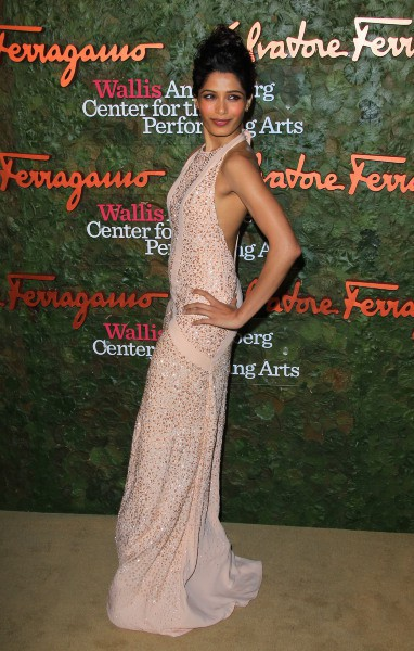 "Freida Pinto lors du gala ""Wallis Annenberg Center for the Performing Arts"" à Beverly Hills, le 17 octobre 2013."