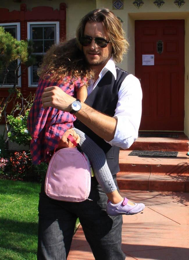 Son papa est venue la chercher à l'école...