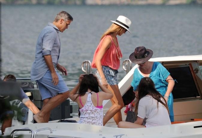 Vacances des stars george clooney en vacances au lac de come en italie - Maison de georges clooney lac de come ...