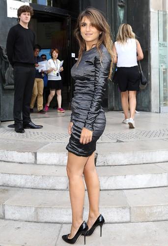 Photos : Géraldine Nakkache : ultra sexy pour un défilé VIP !