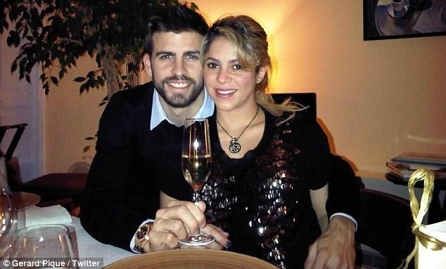 Gerard Piqué et Shakira le soir du réveillon du jour de l'an, le 31 décembre 2012.
