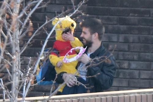 Photos : Gerard Piqué : gaga de son fils Milan, petit ourson trop mignon !