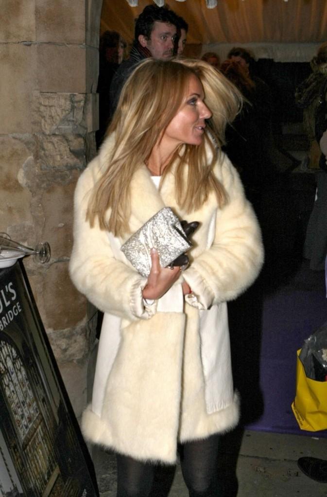 Geri Halliwell sortant de l'église St Paul à Londres, le 6 décembre 2011.
