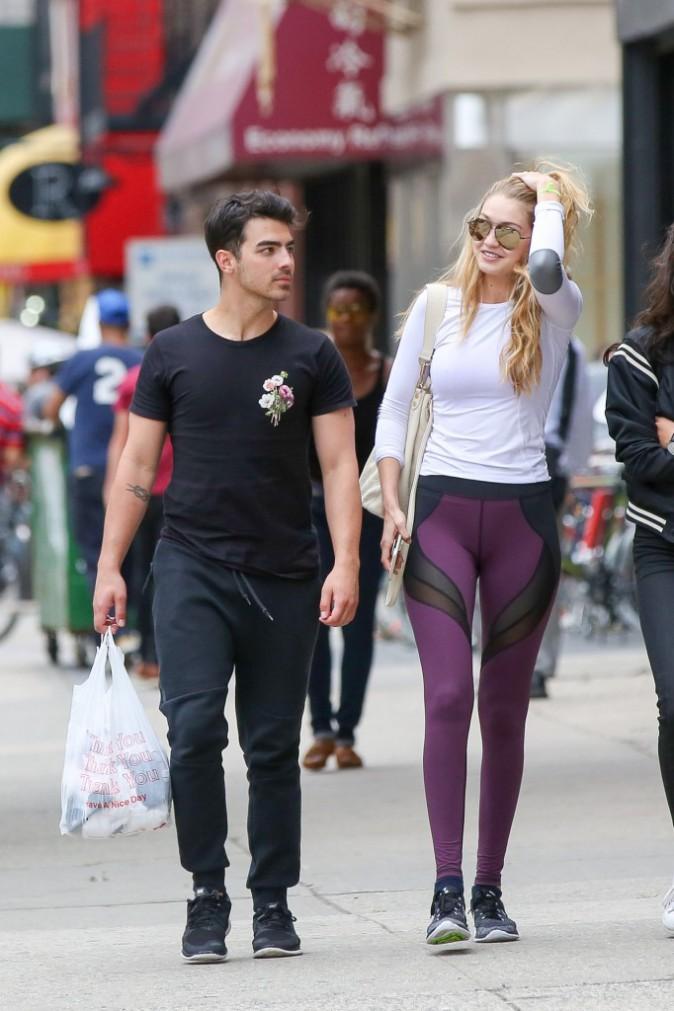 Photos : Gigi Hadid et Joe Jonas : ils ne font plus rien l'un sans l'autre !