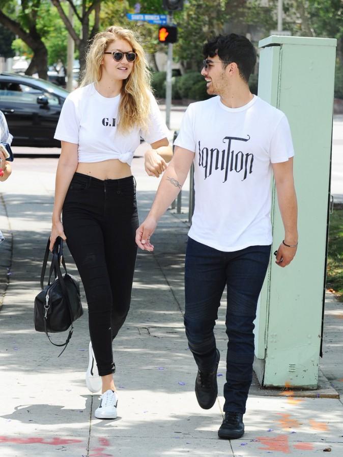 Gigi Hadid et Joe Jonas le 22 juillet 2015