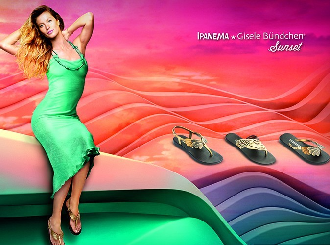 Photos : Gisele Bündchen : toujours aussi sexy pour sa nouvelle collection de tongs Ipanema !