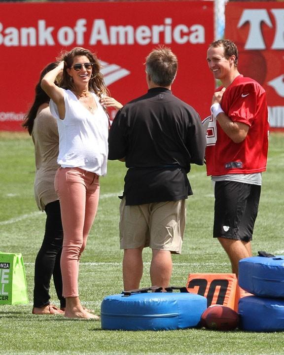 Gisele Bündchen au camp d'entraînement des New England Patriots le 8 août 2012