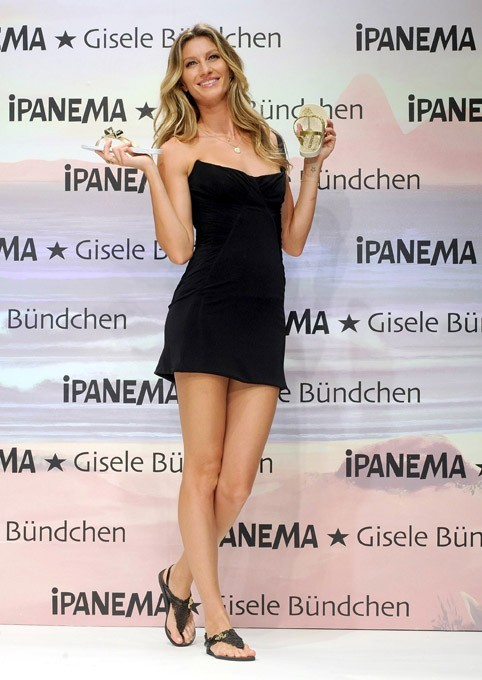Gisele Bundchen en promo pour Ipanema à Istanbul, le 6 avril 2011.