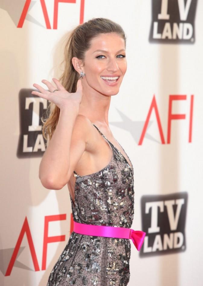 Gisele Bundchen lors de la cérémonie des AFI Life Achievement Award : A Tribute to Morgan Freeman à Los Angeles, le 09 juin 2011.