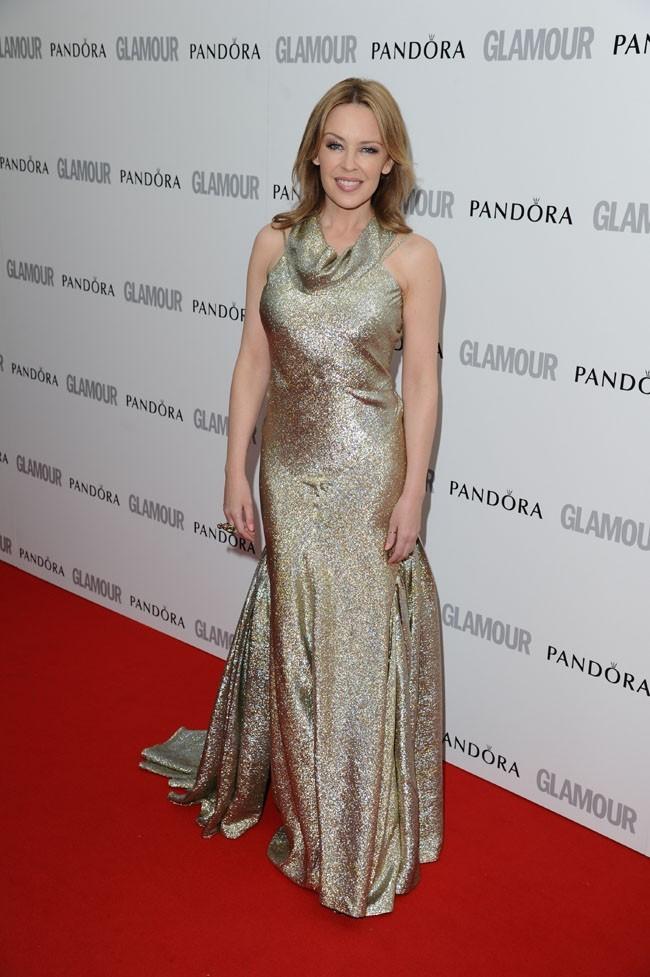 Glamour en diable dans une robe Stella McCartney