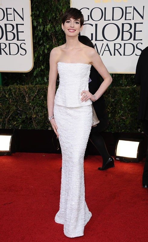 Anne Hathaway, adorable de timidité aux Golden Globes 2013