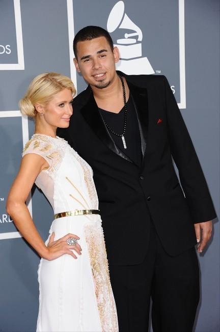 Paris Hilton et DJ Afrojack lors de la cérémonie des Grammy Awards à Los Angeles, le 12 février 2012.