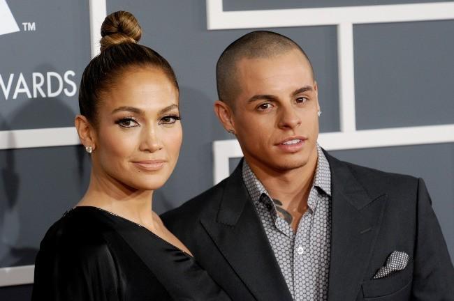 Jennifer Lopez et Casper Smart lors de la 55e cérémonie des Grammy Awards à Los Angeles, le 10 février 2013.
