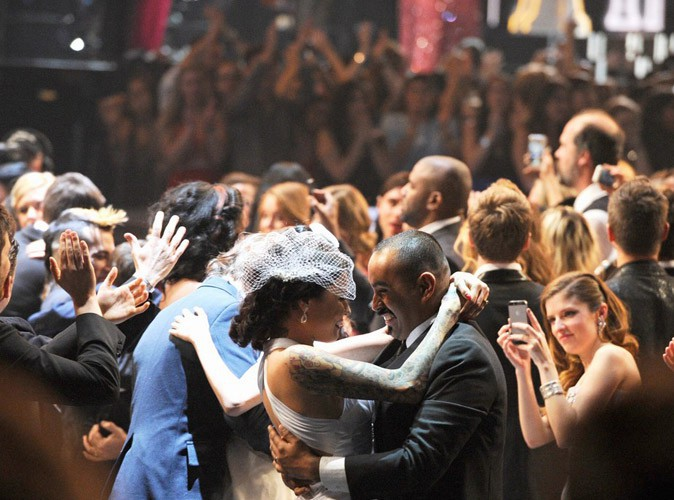 Trente trois mariages en live de la cérémonie des Grammy Awards à Los Angeles, le 26 janvier 2014.