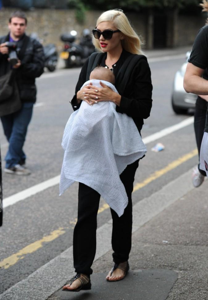 Gwen Stefani avec son fils Apollo à Londres, le 4 août