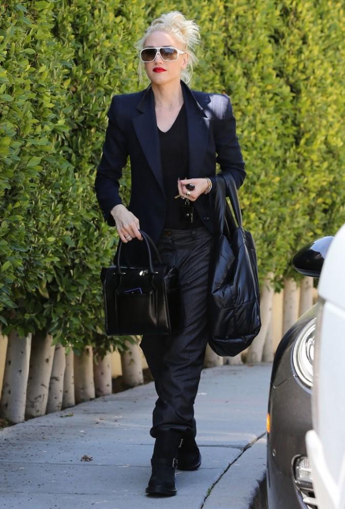 Gwen Stefani et son pantalon parachute à Los Angeles