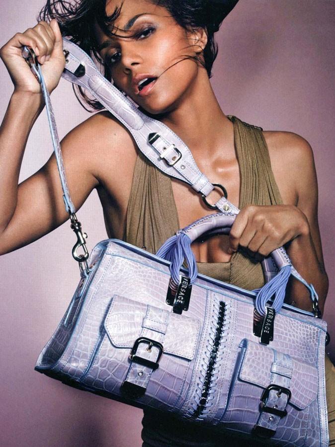 Halle Berry pour Versace en 2006