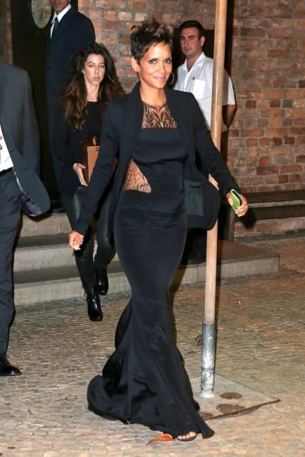 Halle Berry se rendant au restaurant Gero à Rio de Janeiro, le 11 avril 2013.