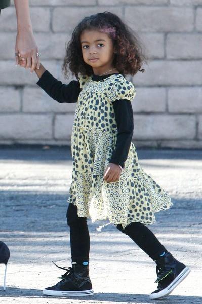Lou, la fille d'Heidi klum à Beverly Hills, le 2 janvier 2013.