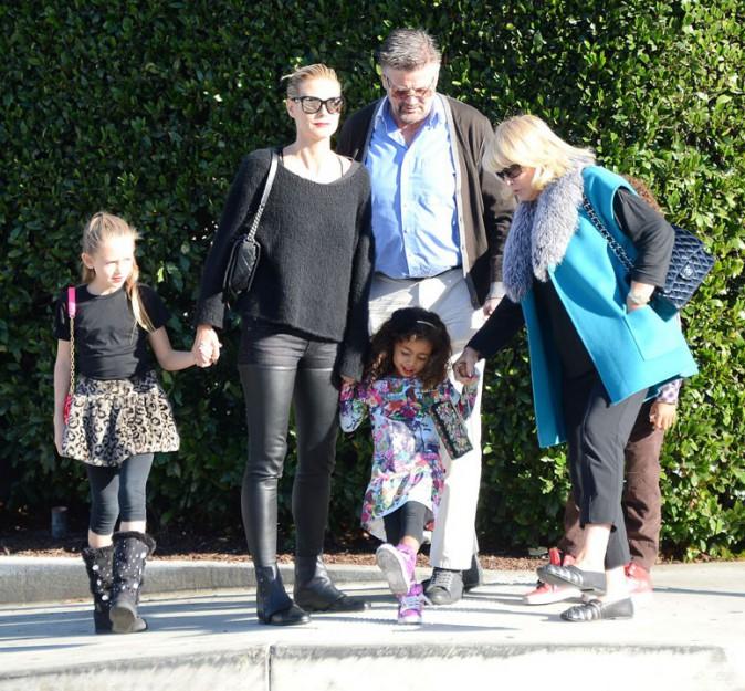 Heidi Klum avec sa tribu et ses parents à Beverly Hills le 1er décembre 2013