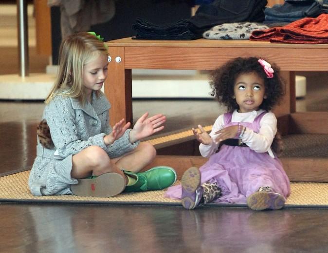 Les enfants restent sagement assis pendant ce temps !