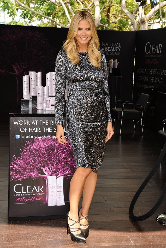 Heidi Klum en ambassadrice glamour pour Clear à Los Angeles le 1er mai 2013