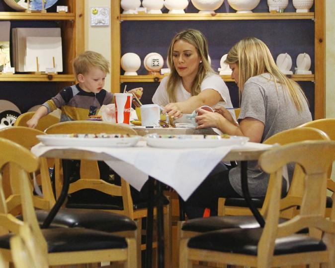 Hilary Duff avec son fils Luca à Beverly Hills le 7 mars 2014
