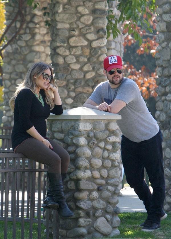 Hilary Duff et Mike Comrie en mode cool au parc !